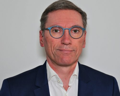 Dr. Sven Bostyn
